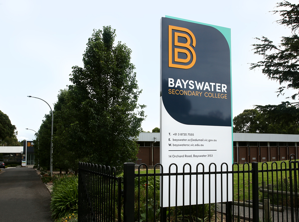 3sidedsquare-bayswater-street-sign